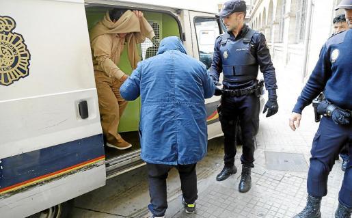 El pasado mes de abril, agentes de la Policía Nacional detuvieron a seis narcos y los presentaron ante la autoridad judicial en la primera fase de la operación. A principios de semana, en Galicia, se practicó la segunda fase con cinco arrestos más.