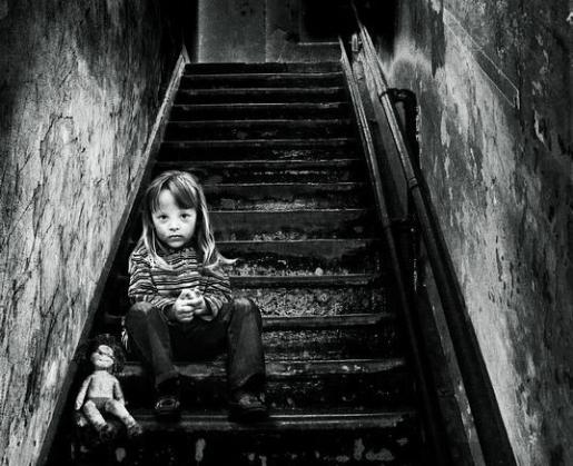 Los agentes descubrieron casi por casualidad «una larga y continuada historia de abusos físicos y emocionales severos a los niños».