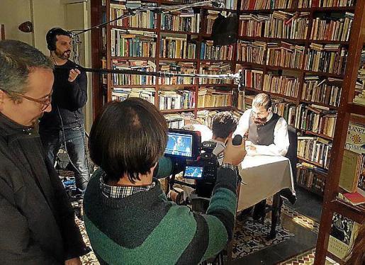 El documental '125 años de historias' cuenta la evolución de Ultima Hora desde el nacimiento del diario hasta la actualidad, combinando realidad y ficción.