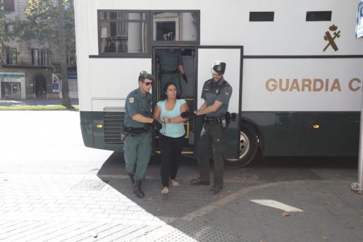 Imagen de archivo de 'La Eva', cuando era escoltada para prestar declaración ante el juez en Palma.