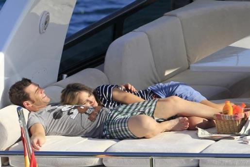 La pareja pasó este verano unos días en Eivissa, donde les fue tomada esta foto.