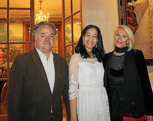 Juan Martín-Montalvo, Ivon Frontela y Angelique Vanackere.