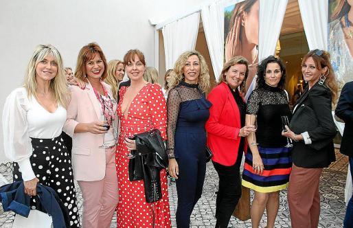 Malena Melis, Isabel Alabern, Marilena Estarellas, Elena Fernández, Beatriz González Díaz, Loli Ordóñez y Blanca Rey.