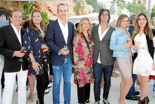 Sebastià Ensenyat, Eleonor Rosselló, Beltrán, Lourdes y Borja Álvarez de Estrada, Laura Sánchez y Plácida Mariño.