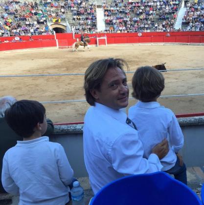 La presencia de menores en las plazas de toros lleva años prohibida en Baleares, aunque no todo el mundo respeta la ley.