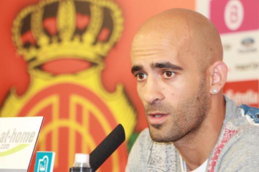 Nunes, en una rueda de prensa en su etapa como jugador del Mallorca.