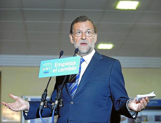 El candidato del PP a La Moncloa, ayer ante los medios en Abadiño, Vizcaya.