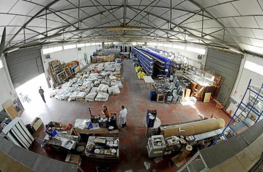 En el almacén externo del Museu de Mallorca, en Son Tous, ya no queda espacio para más materiales.