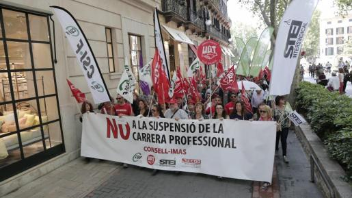 Protesta en Palma por la supresión de la carrera profesional.