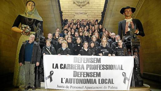 Los funcionarios han realizado varias protestas para reclamar la carrera profesional.