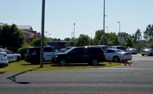 La policía ha detenido a una persona como responsable del tiroteo en el colegio de Noblesville, Indiana.