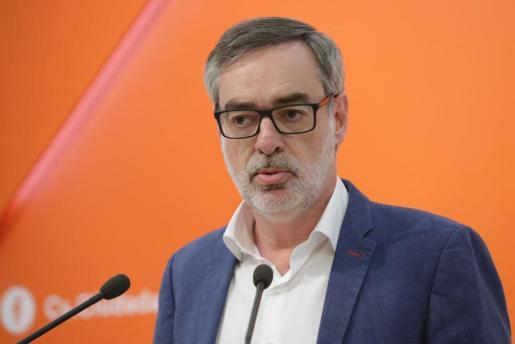El secretario general de Ciudadanos, José Manuel Villegas, durante una rueda de prensa para comentar la actualidad política tras la presentación de una moción de censura contra el presidente del Gobierno, Mariano Rajoy, por parte del PSOE.