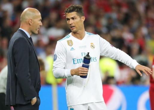 Zidane y Ronaldo, en un momento del encuentro.