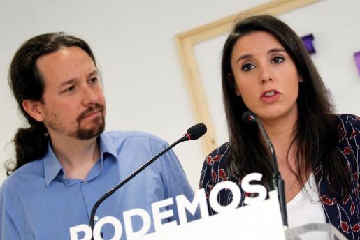 El secretario general de Podemos, Pablo Iglesias, y la portavoz parlamentaria, Irene Montero, en una imagen de archivo.