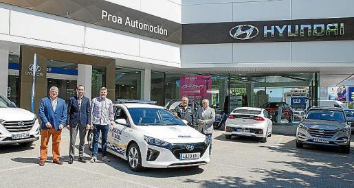 El concesionario Hyundai acogió la entrega del vehículo policial.