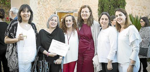 Ana María Pérez, Jaumeta Pou, Reyes Marín, Mercedes Vacas, Aina Mir y Fàtima París.