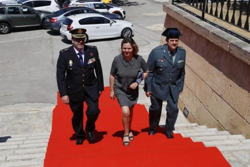 La delegada del Gobierno, el mismo día en que Pedro Sánchez ha conseguido ser proclamado presidente.