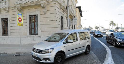 El tráfico se ha reducido un 70 % en Antoni Maura tras la prohibición del giro.