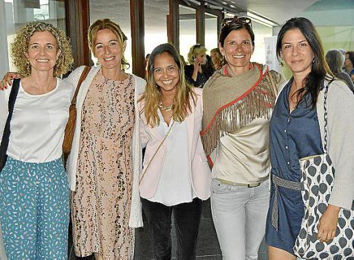 Macu Juan, Cristina Marqués, Claudia Eberle, Julia Frank y Paloma Gutiérrez.