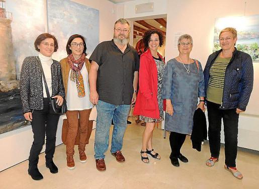 Xana Ferrando, Margalida Ferrando, Sebastià Carbonell, Núria Bosch, Bárbara Mercader y María Mercader.