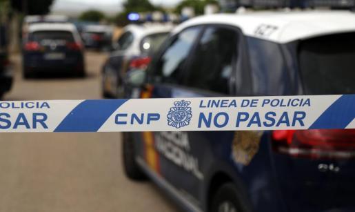 La Policía Nacional comprobó que los detenidos habían montado una red eléctrica clandestina.
