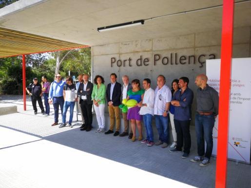 Momento de la presentación de la nueva parada central de autobuses del Port de Pollença.
