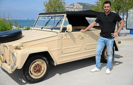 Carlos Hidalgo es el propietario, junto a su padre, de este Volkswagen Kübel 181 de 1970 que compraron a un cliente de su restaurante