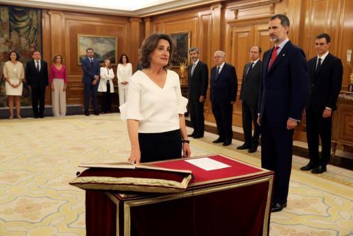 Teresa Ribera jura su cargo como ministra para la Transición Ecológica del nuevo Gobierno de Pedro Sánchez en presencia del rey Felipe VI.