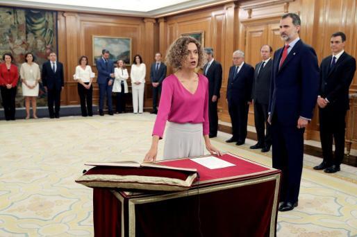 Meritxell Batet jura su cargo como ministra de Política Territorial y Función Pública del nuevo Gobierno de Pedro Sánchez en presencia del rey Felipe VI.