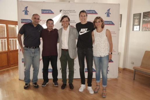 Fernando Fernández, Pep Marí, Francesc Miralles, Alba Torrens y Margalida Portells. Foto: Jaume Morey