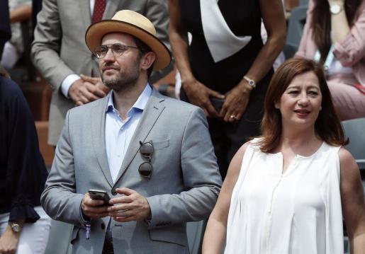 Armengol junto a Máxim Huerta en la final de Roland Garros.