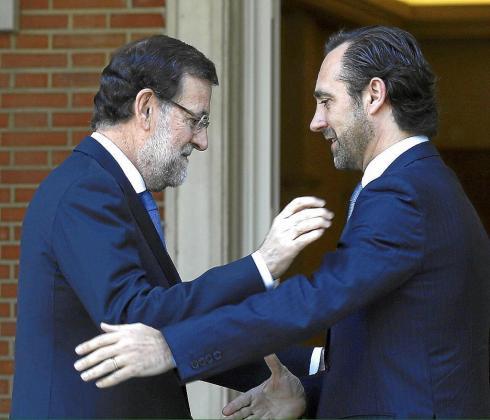 Hace unos días el expresidente balear tuiteó esta foto diciendo sentirse «orgulloso de haber formado parte del proyecto de Rajoy. No merecía este final», afirmó.