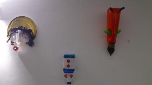 En la exposición se han utilizado todo tipo de materiales de deshecho.