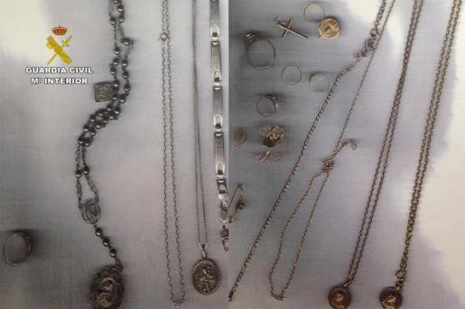 Se recuperaron numerosos efectos sustraídos, como joyas y electrónica que están siendo devueltos a sus legítimos propietarios.