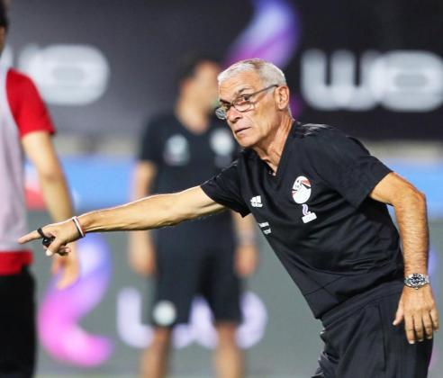El entrenador de fútbol Héctor Cúper, actualmente al frente de la selección de fútbol de Egipto.
