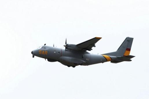 Avioneta del SAR que participa en las labores de búsqueda.