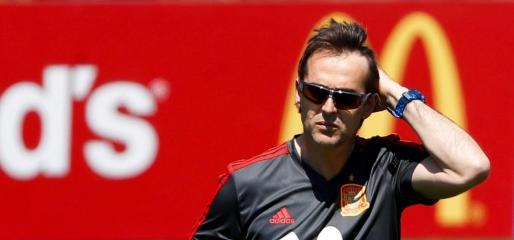 Julen Lopetegui, durante la sesión de entrenamiento de la selección española ayer día 12 en Krasnodar.