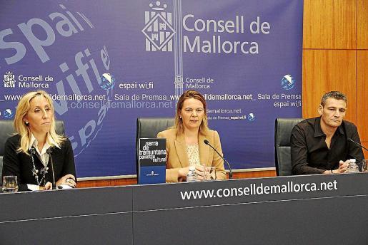 Palou, Salom y Serra (director de residuos) al dar cuenta del acuerdo.