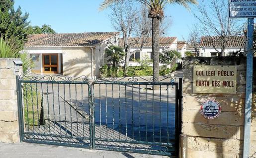 El agua de la escuela Porta del Moll cumple los requisitos para un consumo puntual, no habitual, según el APIMA.