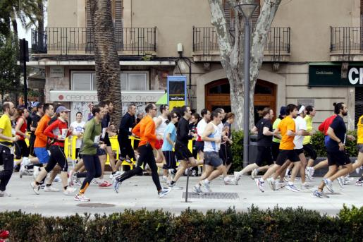 Los 10 Km fueron la prueba principal de la jornada y la que contó con mayor participación: este año llegaron a meta 595 atletas, casi 200 más que en 2009.