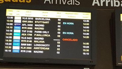 Se han anulado en Son Sant Joan seis vuelos directos con aeropuertos franceses y 37 conexiones con otros destinos europeos.