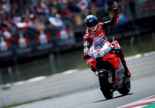 El piloto español de Moto GP, Jorge Lorenzo, gana su segunda carrera consecutiva.