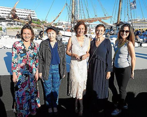 Elena Segura, Irene Richtsteiger, Carme Jaume, Mar Vilalta y Cristina Barriga.