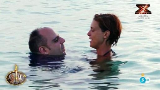 María Jesús Ruiz y Julio durante el reality 'Supervivientes'.