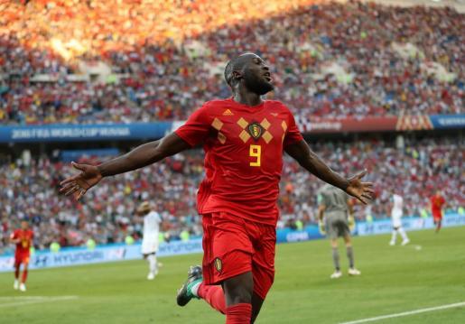 Romelu Lukaku celebra uno de los dos goles en el partido ante Panamá.