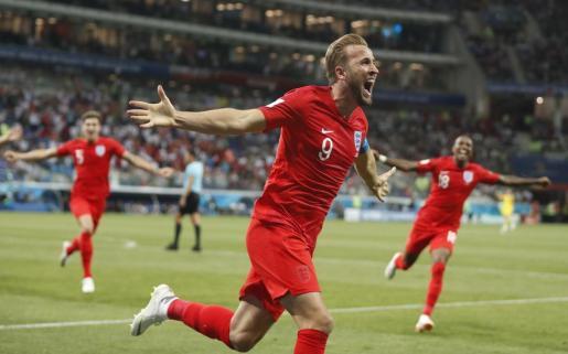 Harry Kane celebra el segundo gol de Inglaterra.