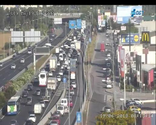Imagen de la cámara de Tráfico del acceso a la rotonda de Can Blau desde la autopista.