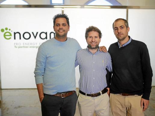 Carlos Vidal, Magí Prats y Jordi Riera son los propietarios de Enovam, que cuenta entre sus clientes con grandes cadenas hoteleras.