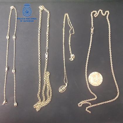 Estas cadenas aún están pendientes de ser devueltas a sus legítimos propietarios.