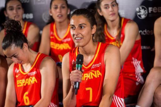 La jugadora mallorquina de la selección femenina de baloncesto, Alba Torrens, durante la presentación de la Copa del Mundo de Tenerife.